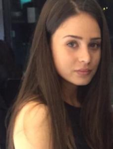 Victoria Monitrice Studente di commercio
